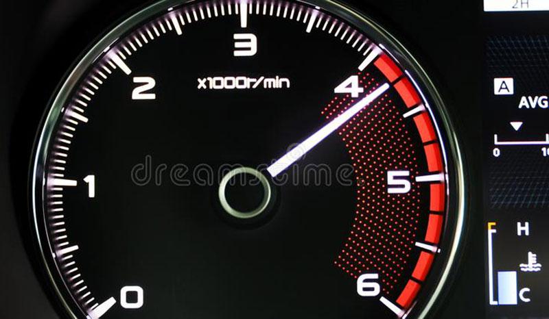 رانندگی با دور موتور بالا